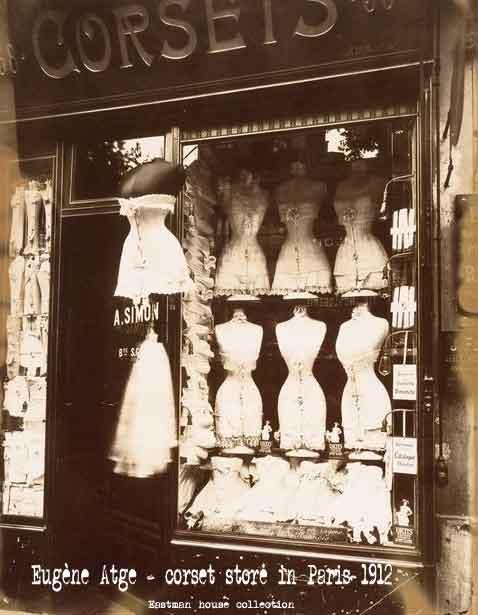 Eugène-Atge---corset-store-in-Paris-1912