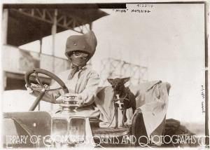 Library-of-Congress-Womens-motoring-clothing-1910s