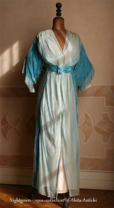 Nightgown---1910--collection-of-Abita-Antichi