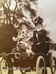 Women-Automobile-fashions---Paris-1901