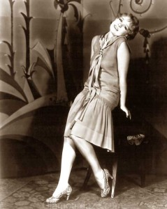 anita-page-wears-the-latest-1928-daywear
