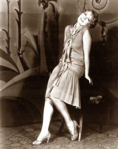 anita-page-wears-the-latest-1928-daywear