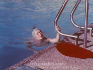 Vintage-1960's-Makeup-Tutorial-Film---Beauty-Health6