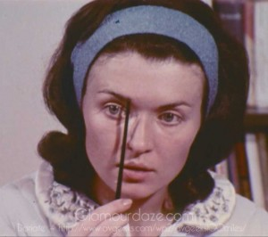 Vintage-1960's-Makeup-Tutorial-Film11---eyebrow-line