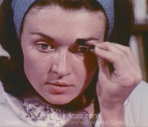 Vintage-1960's-Makeup-Tutorial-Film13----eyebrows--blend-colors