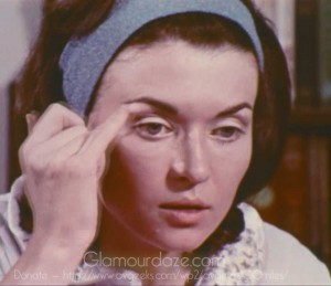 Vintage-1960's-Makeup-Tutorial-Film16---eyes---brow-highlighting