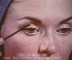 Vintage-1960's-Makeup-Tutorial-Film18---mascara