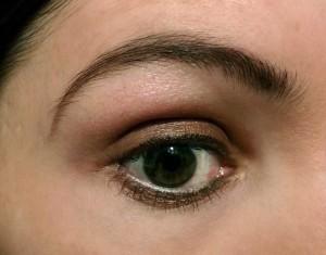 2.Vintage-Hollywood-Makeup-Tutorial---1932---the-finished-eye-makeup