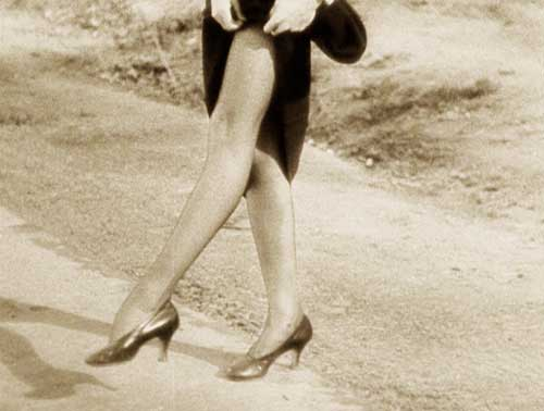 Claudette-Colbert-1930s-hosiery--It-happened-one-night