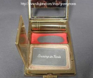 1920s-Bourjois-Compact-with-Lipstick--Rouge-and-Powder---Rubylane