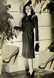 1940s-Winter-Fashion---Rita-Hayworth-1942-A