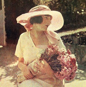 Bibi-Lartigue-Cap-d'Antibes-1920s-French-makeup-look