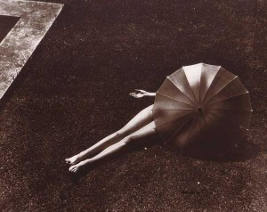 1935-sun-bathing---Glamoursplash