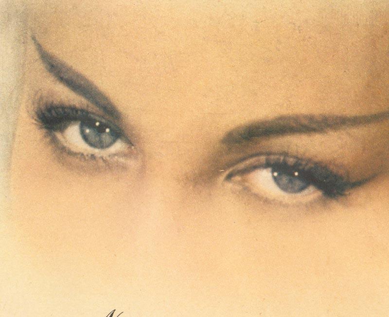 1950s eye makeup - brunette