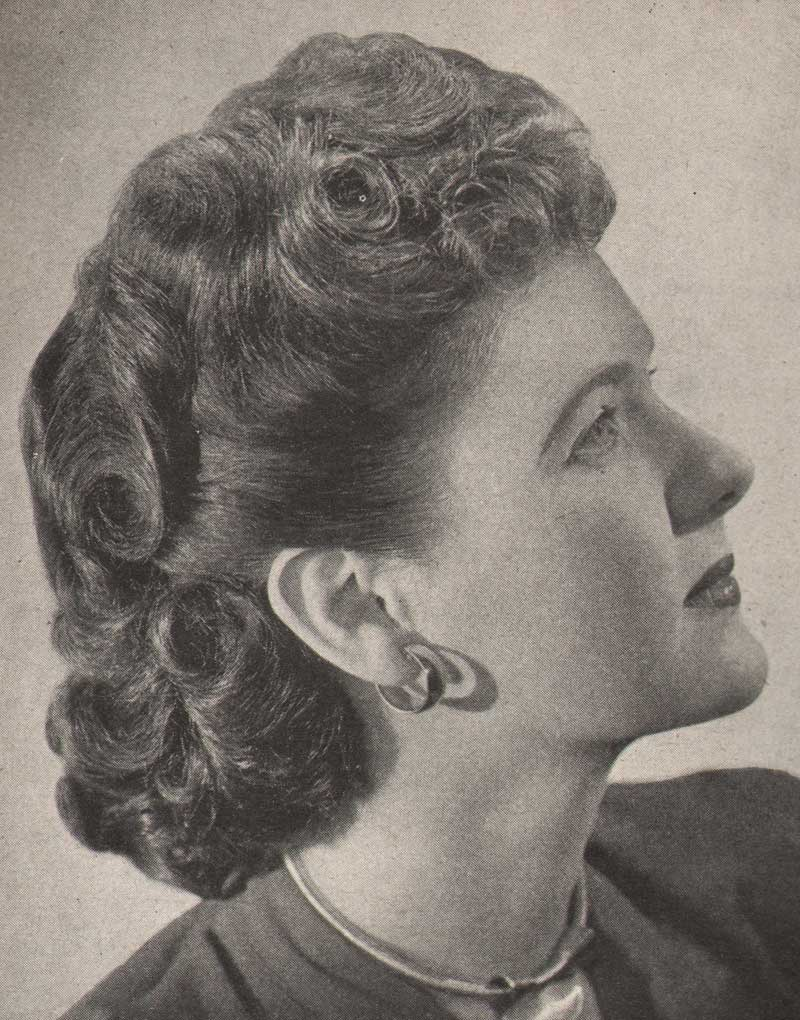 1940 S Hairstyles The Sidesweep Craze 1945 Glamour Daze
