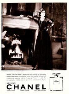 Coco-Chanel-promotes-Chanel-No5