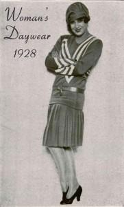 womans-daywear-1928-glamourdaze