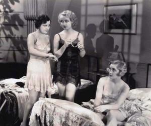 Carole-Lombard---1920s-lingerie