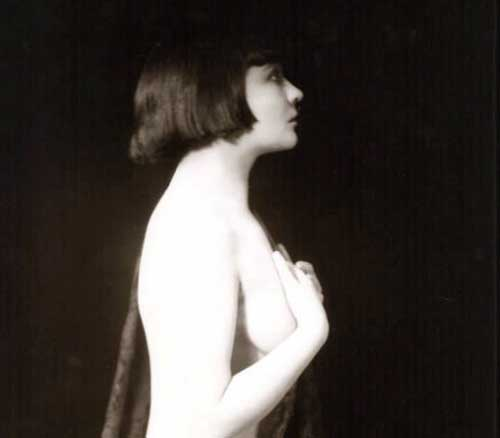 The-first-Bob-hair-cut---1921---Mary-Thurman