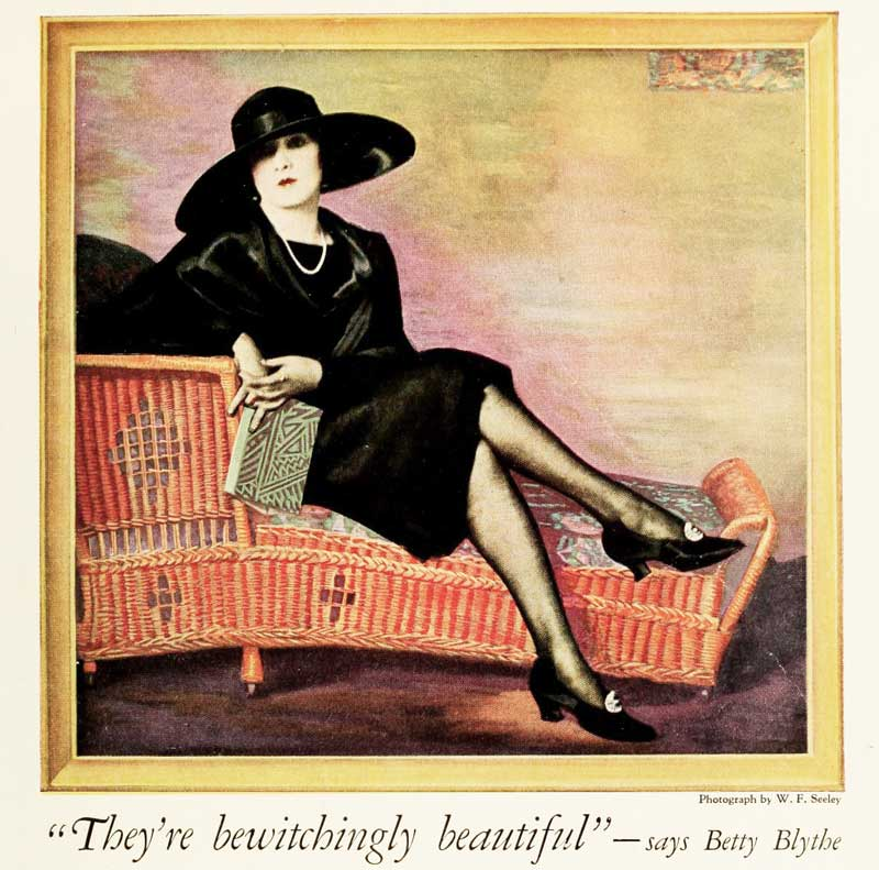 1920s fashion - adverts for stockings in 1925