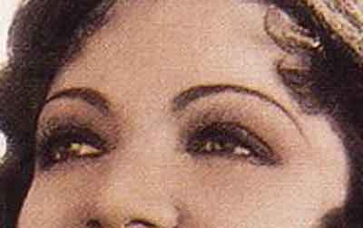 Claudette-Colbert--Hollywood-eyes