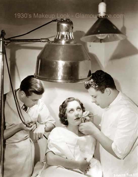 1930-Beauty-Shop---Rouging-the-Lips---ann-dvorak-westmore-brothers-