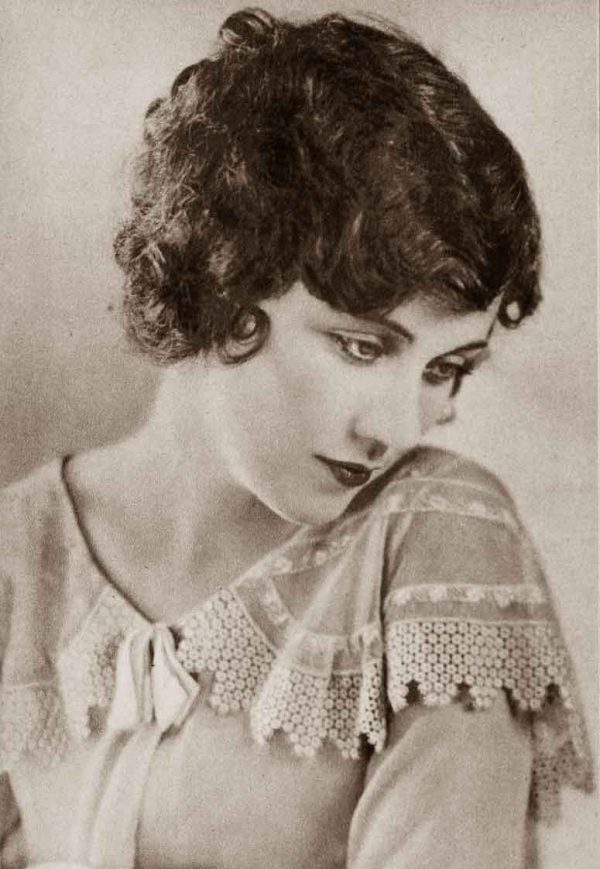 1920s-Hairstyles---New-Bobbed-Cuts-for-1925--Fay-Wray