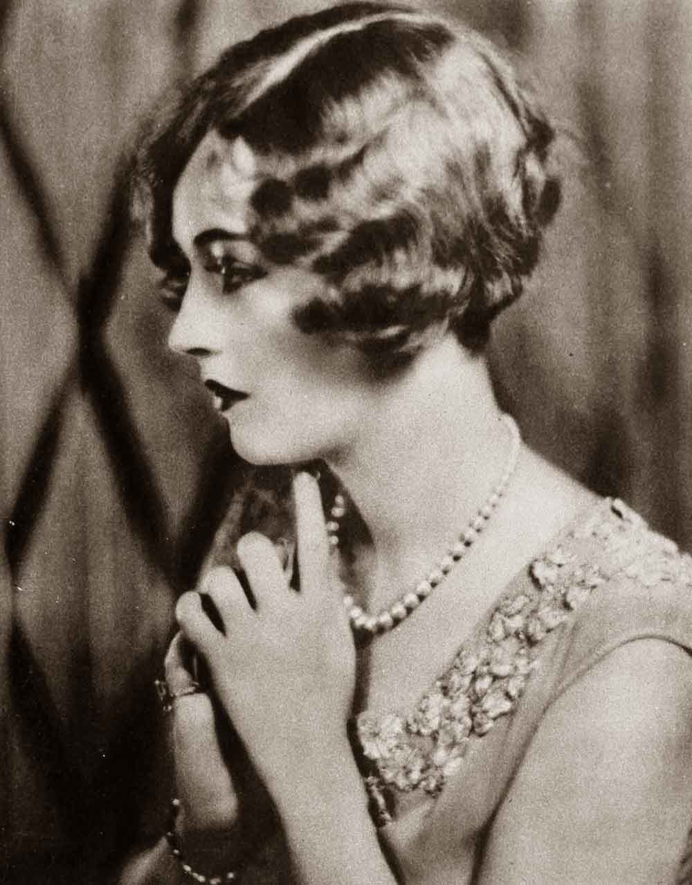 1920s Hairstyles – New Bobbed Hairstyles for 1925 ...