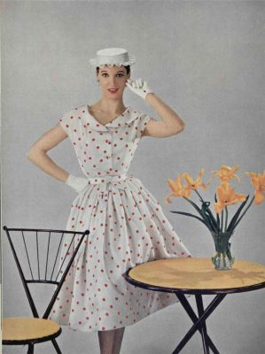 L'officiel-de-la-mode--Hubert-de-Givenchy-1954-dress