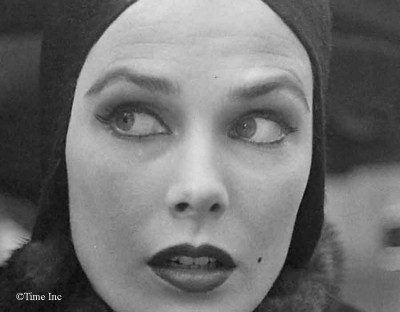 1950 French doe-eyed makeup look - street
