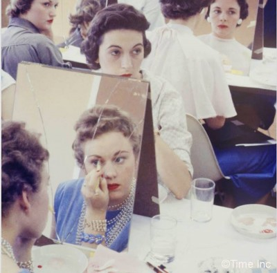 Makeup-Class--Life-Magazine-1958---Stewardess-school