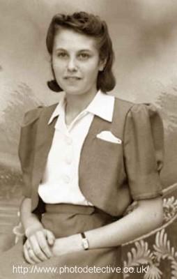 1941-bolero-jacket---photo-detective