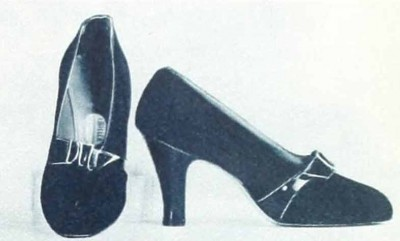 2.1930s-fashion---Ginger-Rogers-Favourite-Shoes-in-1936-brown-suede-pumps