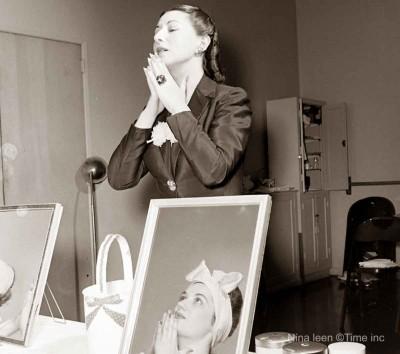 Helena-Rubinstein---The-Cosmetics-&-Beauty-Giant---1945