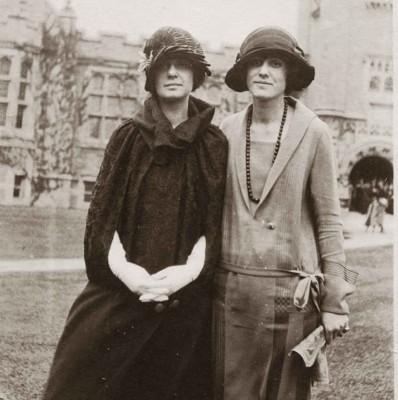 1922--Emma-Willard-School-students