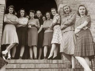 1939---Lawrence-college-girls--kansas---Alfred-Eisenstaedt---Google-Cultural-Institute2
