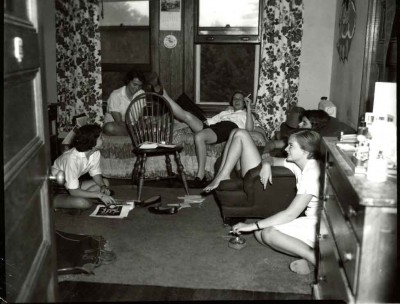 1956-Students-Lounging