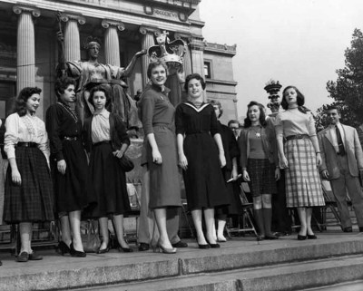 Barnard-College-Sophomore-Freshman-Rush,-1954