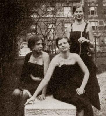 Barnard-College-archives---senior-week-1931