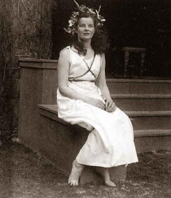 Bryn-Mawr-college---1928---Katherine-Hepburn