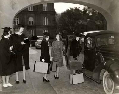 Students-depart-campus,-c.1940