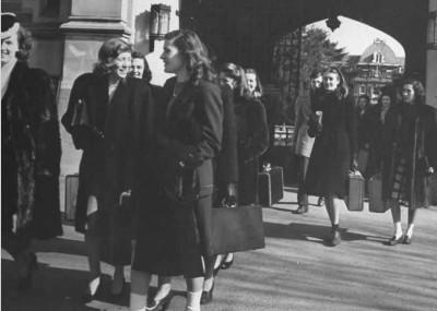 Vassar-college-1940s---Bernard-Hoffman---Google-Cultural-Institute