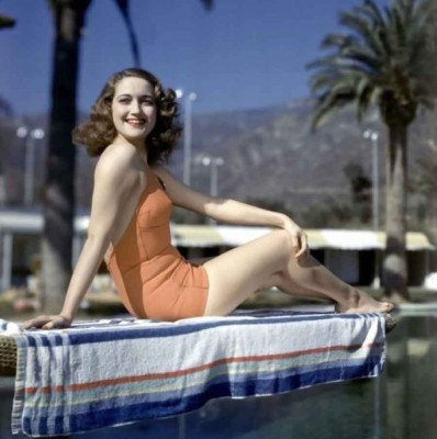 Vintage-Secrets----Hollywood-Diet-and-Fitness---dorothy-lamour