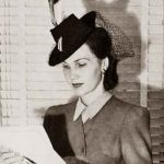 1940s Fashion – White Collar Girls