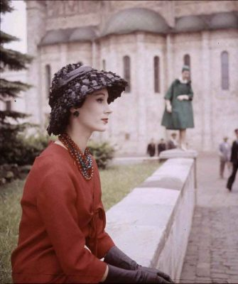 Christian-Dior-in-Moscow-June-1959-