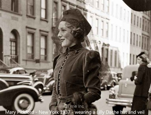 Mary-Pickford---1937-veil--New-York----Alfred-Eisenstaedt