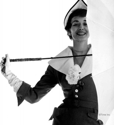 Spring-Fashions-1950---Dorien-Leigh-models---photo-Gjon-Mili-11