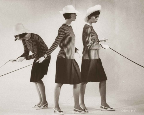 Christina--Katha-and-Megan-Dees---Sassoon-CutTriplets-1964b---Nina-Leen
