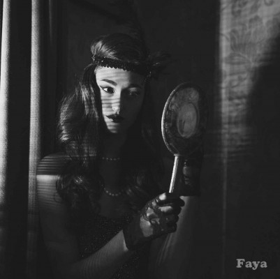 Film-Noir-Fashion---Faya