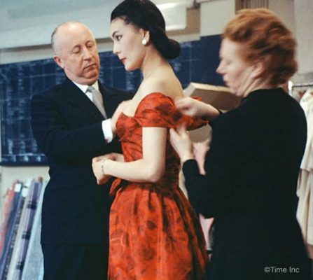 Inside-Christian-Diors-Salon-in-1957cc